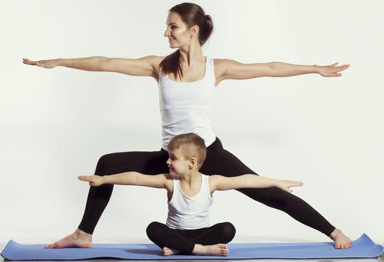 csm_Eltern-Kind-Yoga_Fotalia_27cf0c8bf4